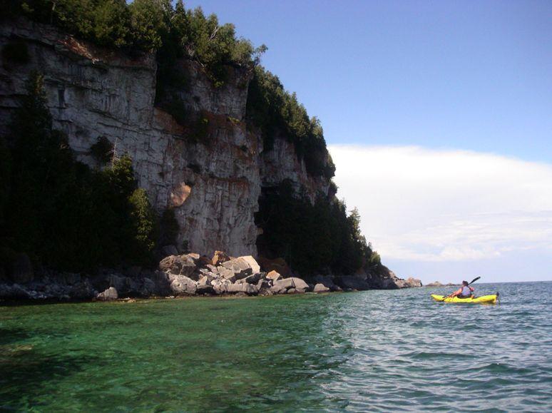 Bears_rump_east_side_cliffs