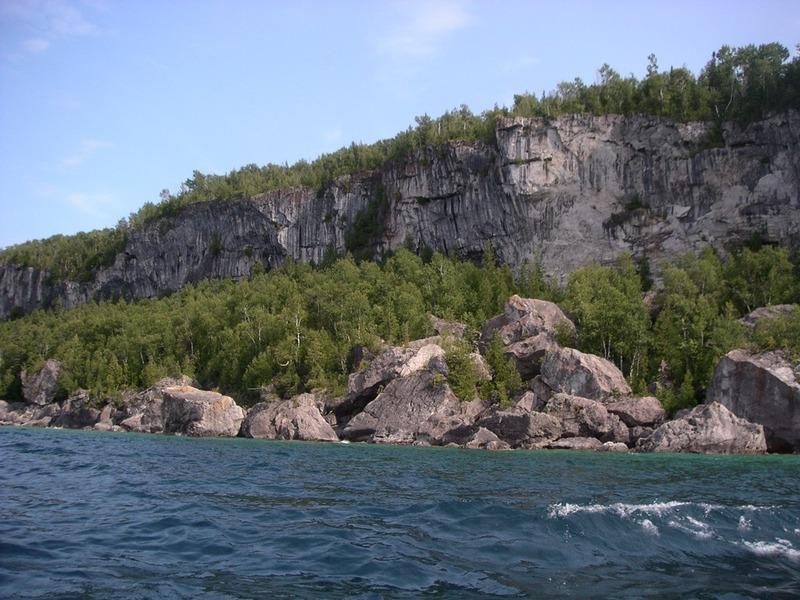 Fallen_rocks_erosion